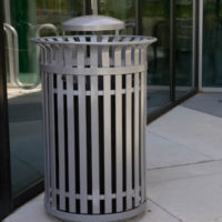 Manchester top load round 40 gallon litter receptacle 2