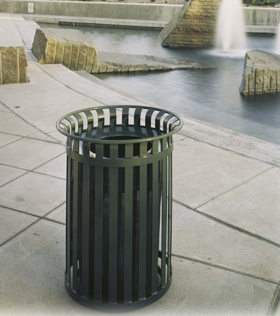 Manchester top load round 40 gallon litter receptacle 1