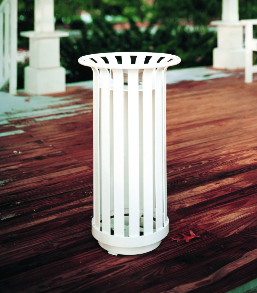 Manchester round ash receptacle 1