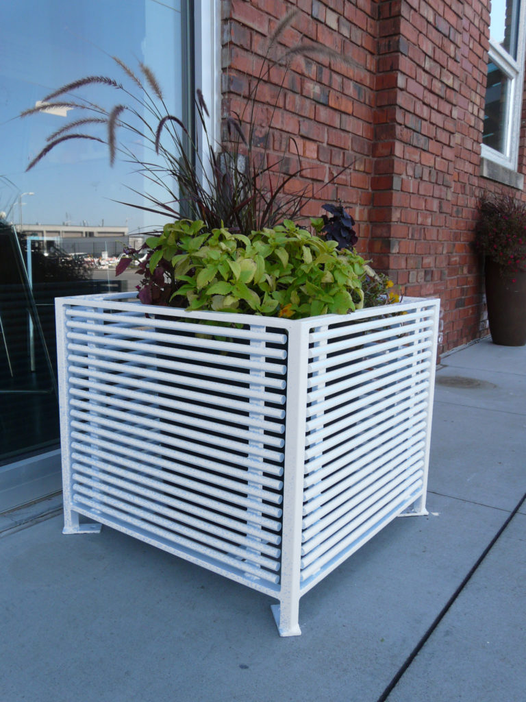 Papio Signature square planter 1