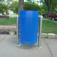 Suspension standard perforated suspension litter receptacle